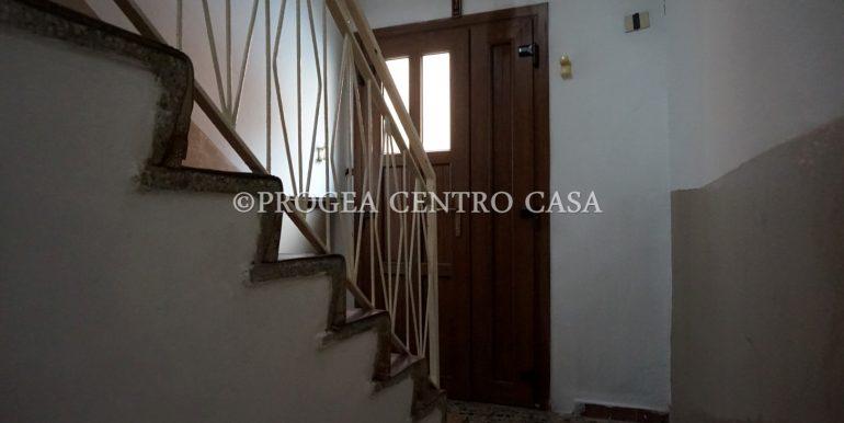 casa-in-affitto-albano-santalessandro-ingresso