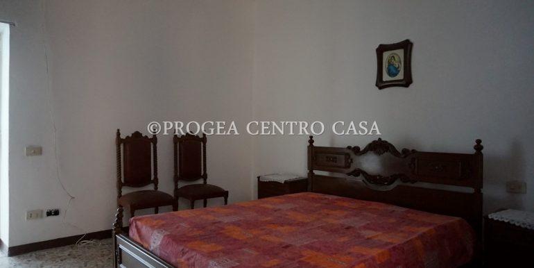 casa-in-affitto-albano-santalessandro-camera-3