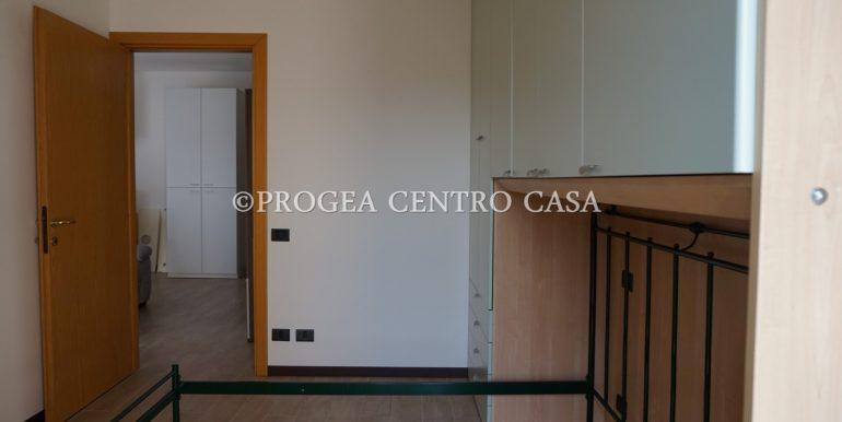 bilocale-ristrutturato-e-arredato-in-affitto-a-bergamo-camera-3