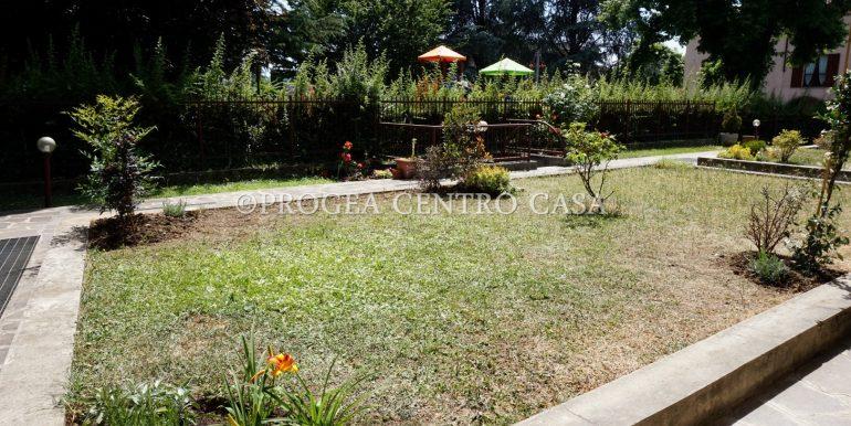 bilocale-arredato-in-affitto-ad-alme-giardino