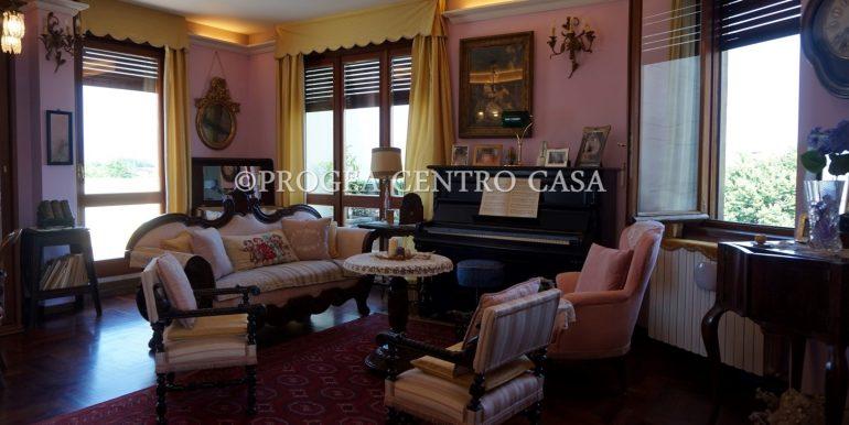 attico-in-vendita-a-dalmine-soggiorno-2