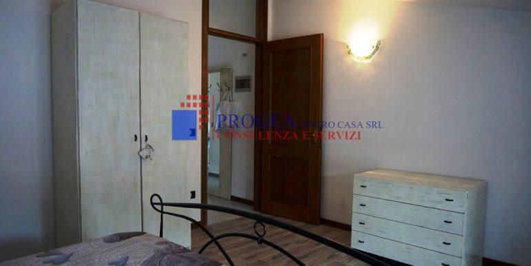 bilocale-arredato-in-affitto-a-villa-dalme-camera-2