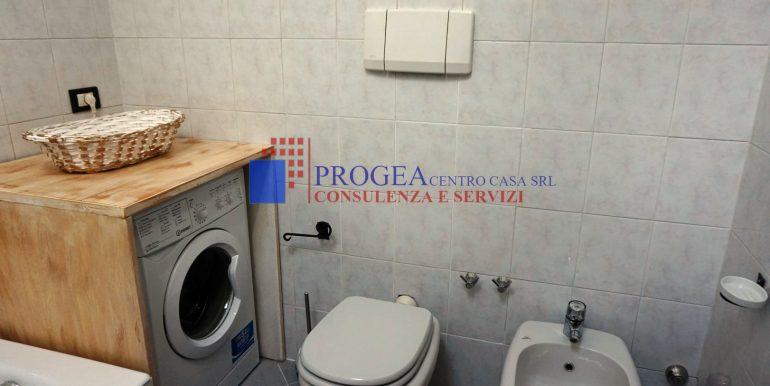 bilocale-arredato-in-affitto-a-villa-dalme-bagno-3