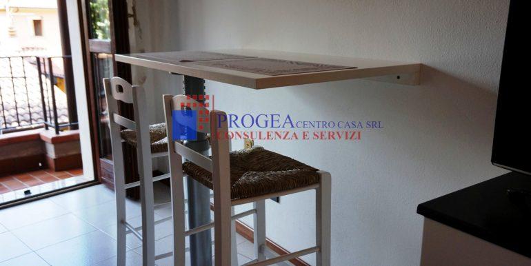 bilocale-arredato-in-affitto-a-villa-dalme-soggiorno-4