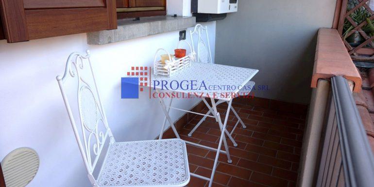 bilocale-arredato-in-affitto-a-villa-dalme-balcone-2