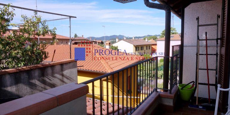 bilocale-arredato-in-affitto-a-villa-dalme-balcone-3