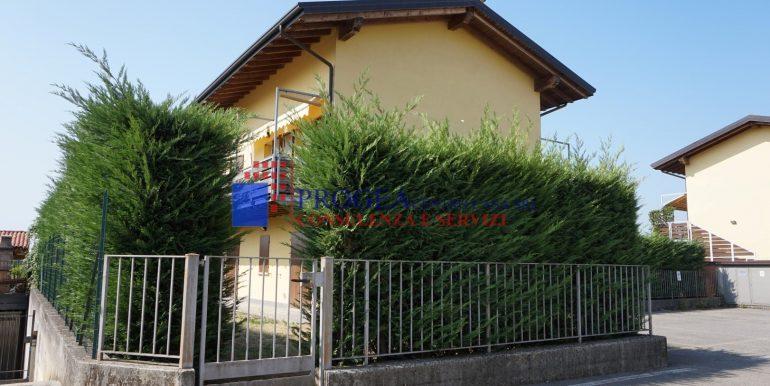trilocale-in-vendita-a-scanzorosciate-con-giardino-privato-ingresso-secondario